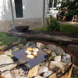 laga mat ute på eld
