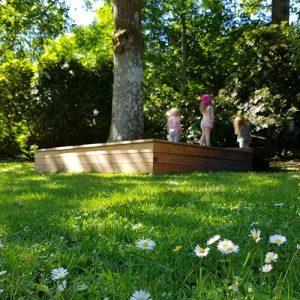 stor trädgård
